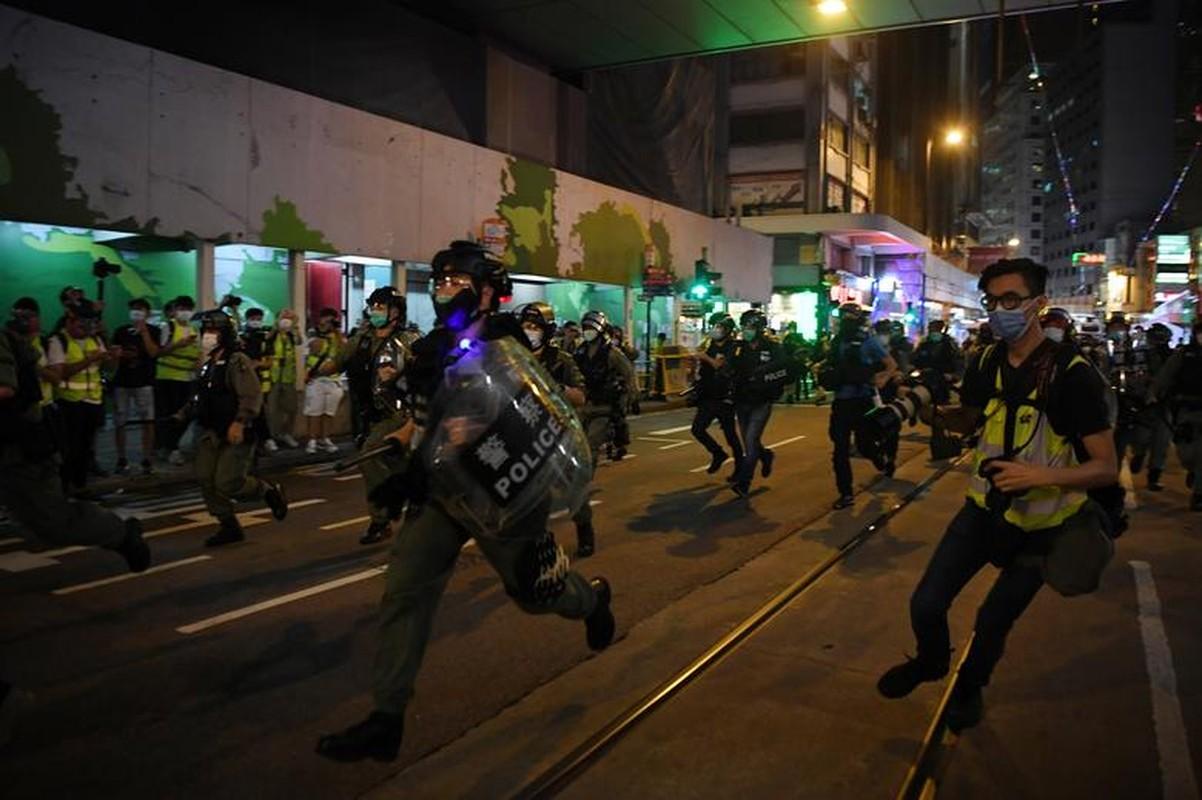Can canh Hong Kong sau mot nam bieu tinh chong du luat dan do-Hinh-3