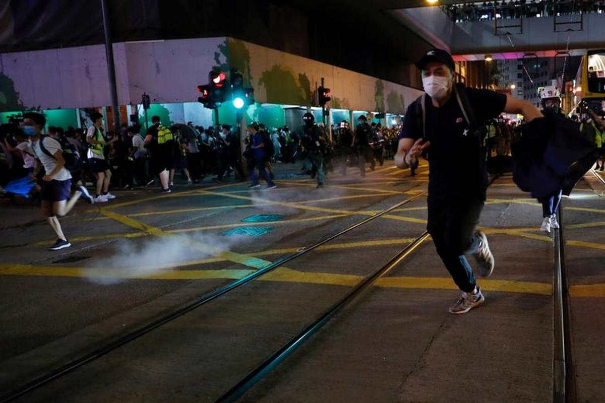 Can canh Hong Kong sau mot nam bieu tinh chong du luat dan do-Hinh-4