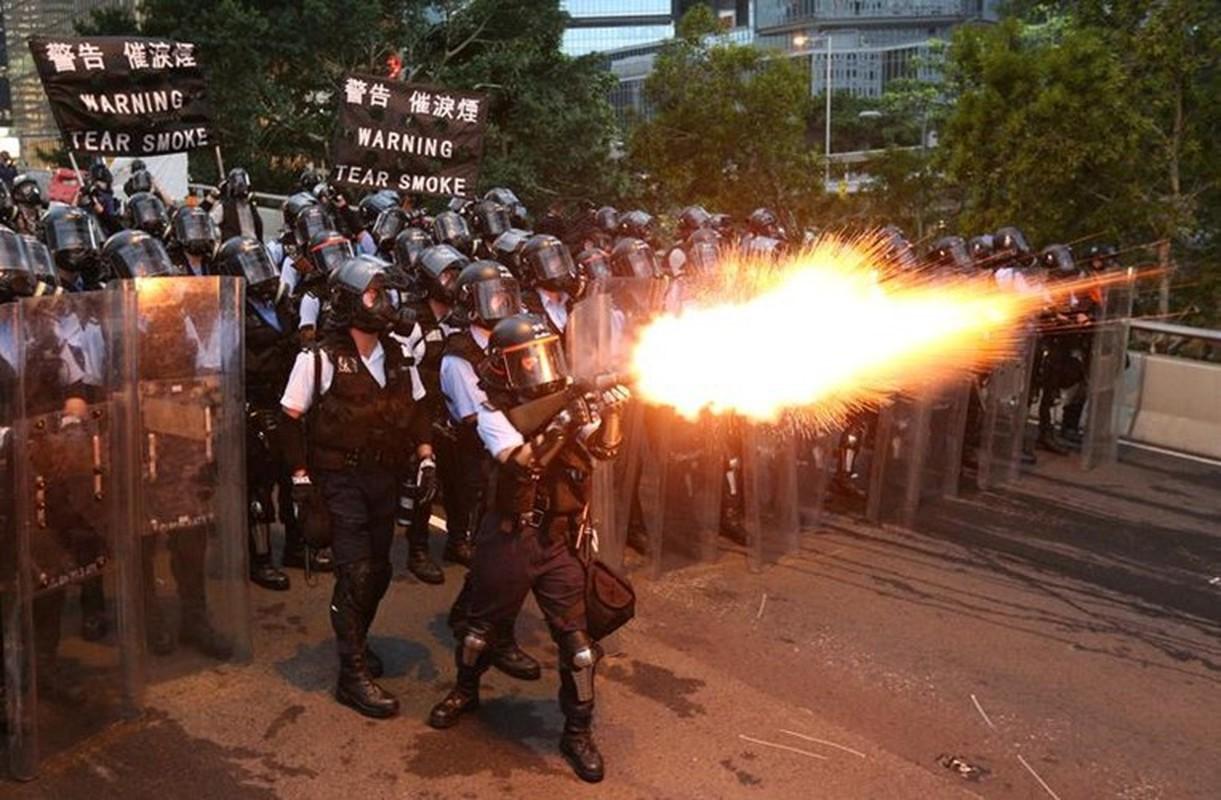 Can canh Hong Kong sau mot nam bieu tinh chong du luat dan do-Hinh-7