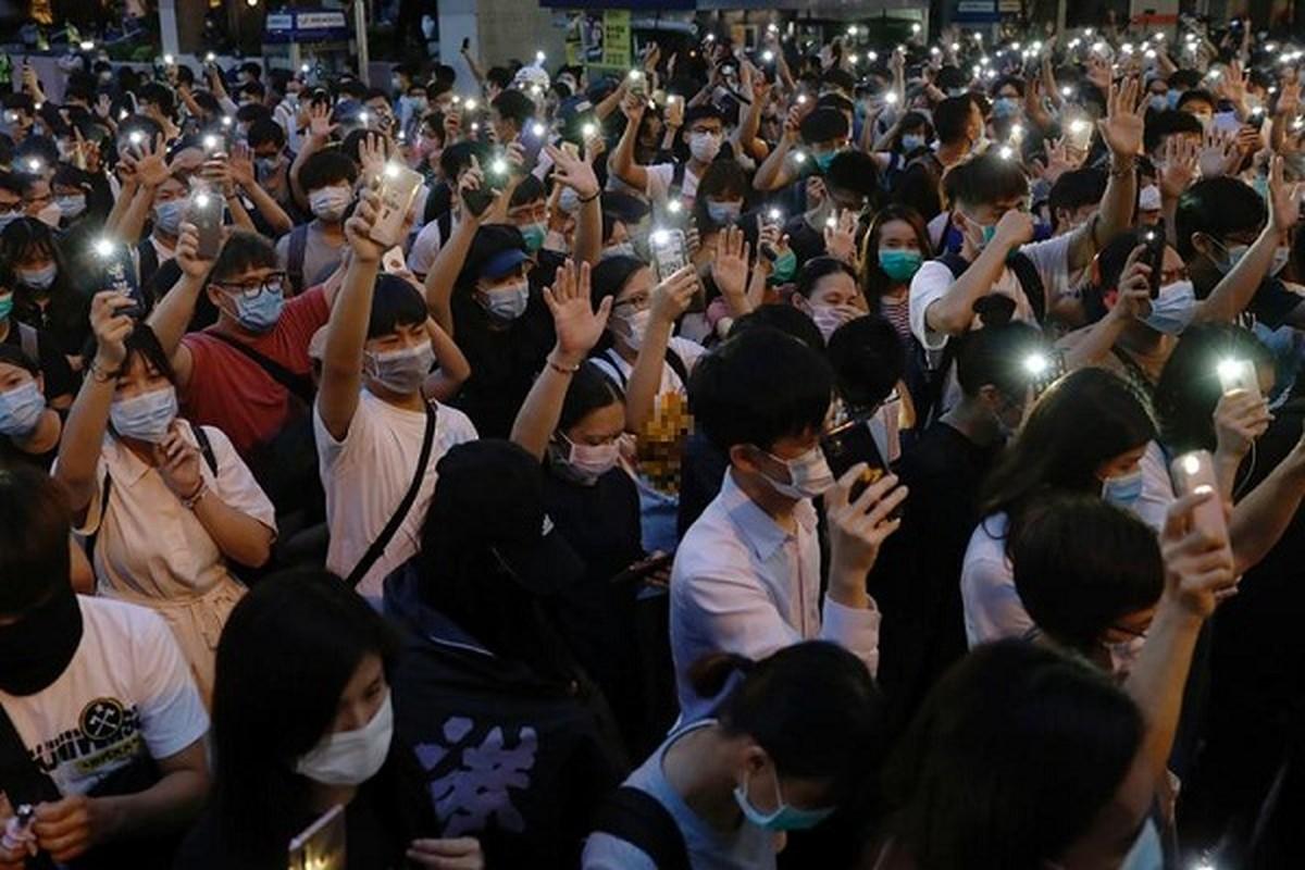 Can canh Hong Kong sau mot nam bieu tinh chong du luat dan do