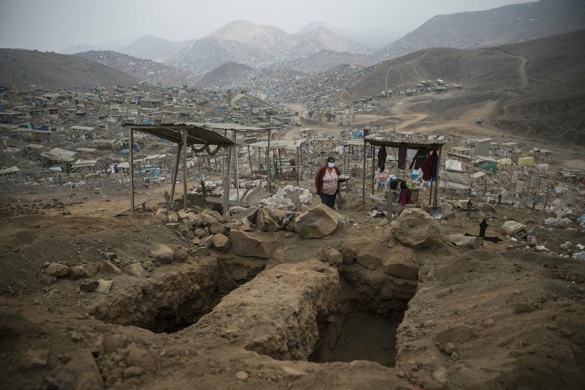 COVID-19: Canh xot xa tai nghia trang danh cho nguoi ngheo o Peru-Hinh-3