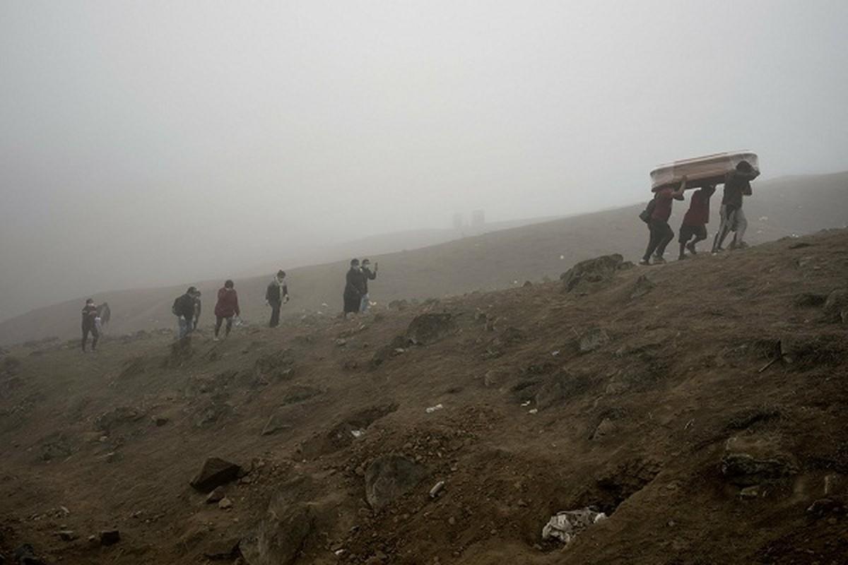 COVID-19: Canh xot xa tai nghia trang danh cho nguoi ngheo o Peru-Hinh-5