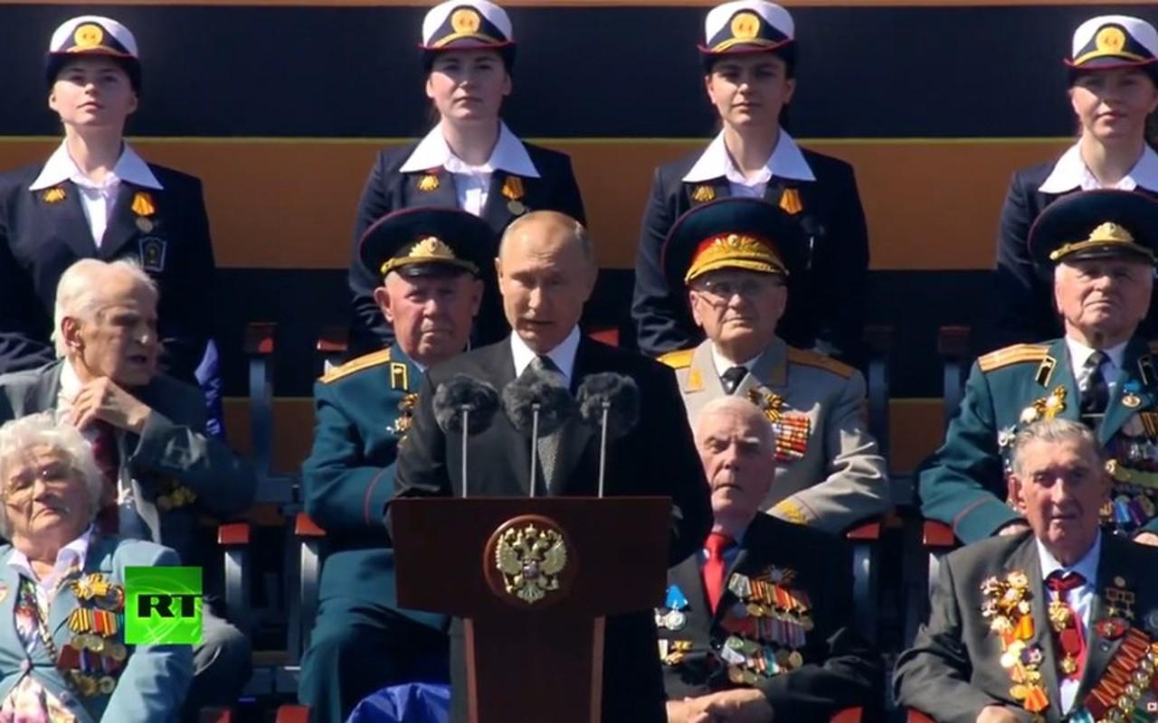 Ve dep nu quan nhan Nga trong le duyet binh mung Ngay Chien thang-Hinh-11