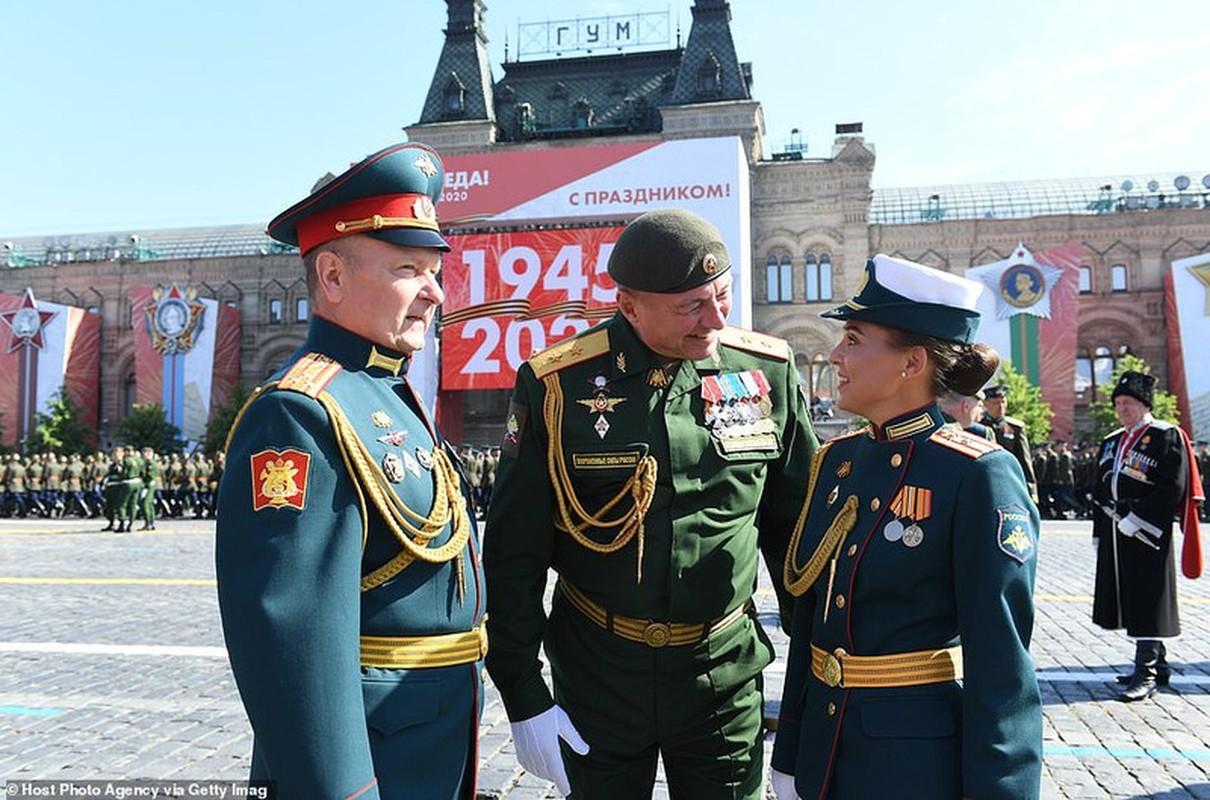 Ve dep nu quan nhan Nga trong le duyet binh mung Ngay Chien thang-Hinh-6