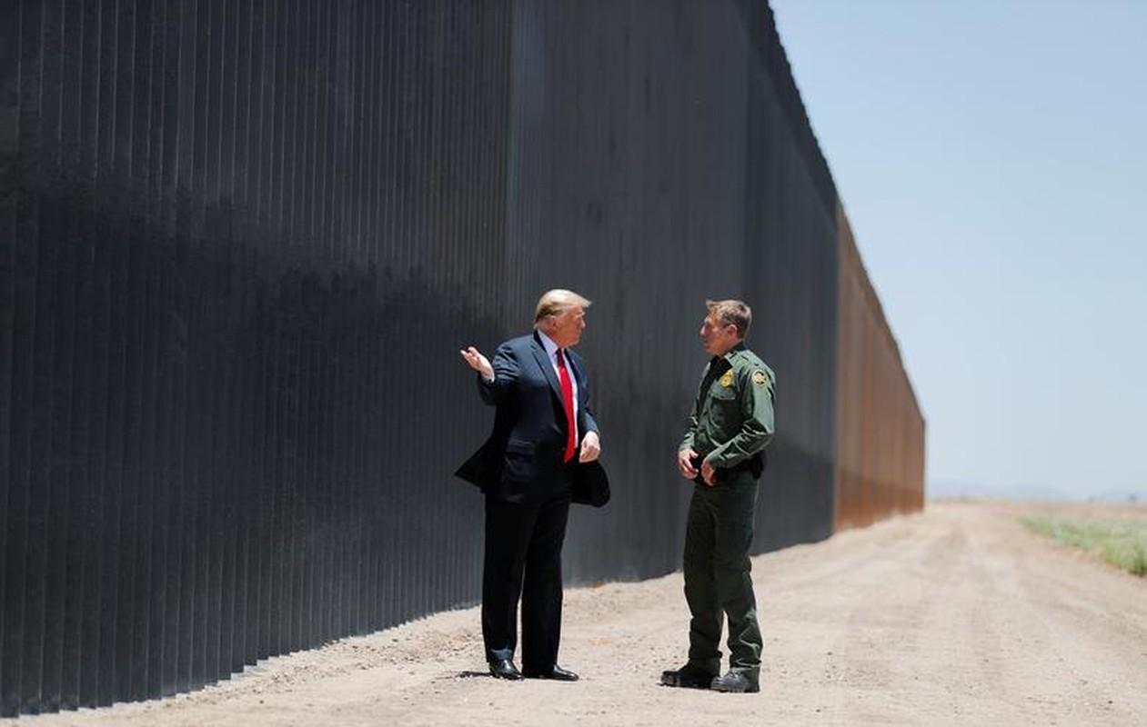 Tham buc tuong bien gioi My-Mexico, Tong thong Trump tuyen bo bat ngo