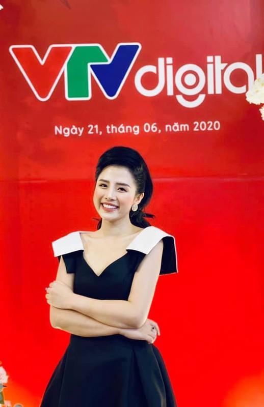 BTV tre nhat VTV24 so huu gu thoi trang toan hang hieu-Hinh-12