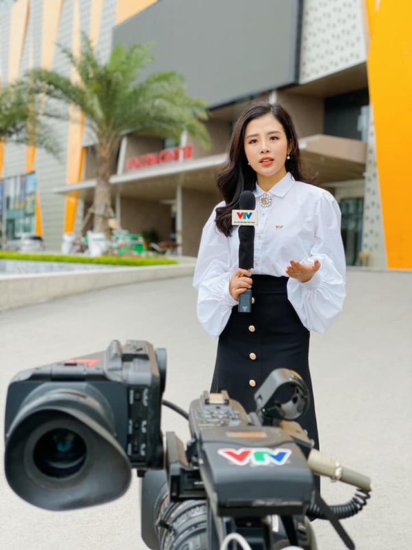 BTV tre nhat VTV24 so huu gu thoi trang toan hang hieu-Hinh-9