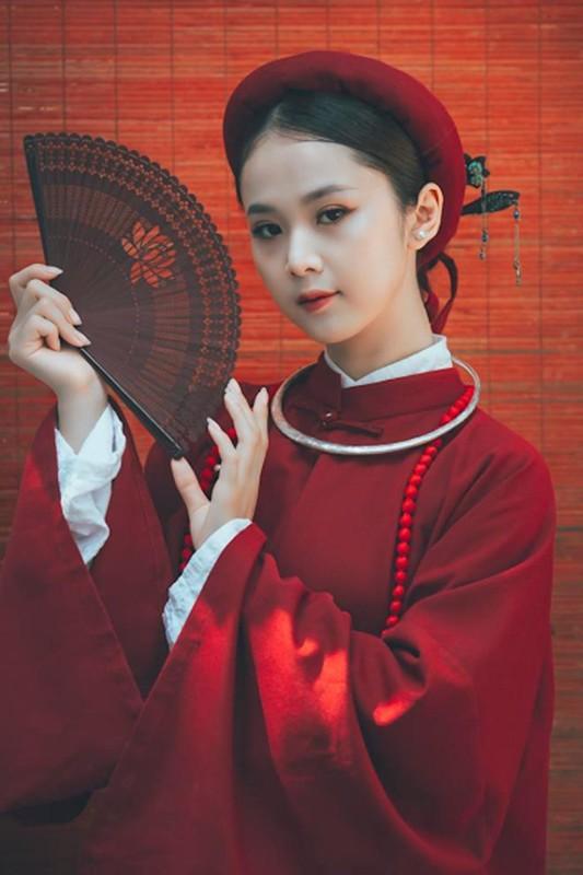 "Hoa khoi Tai sac Viet Nam dep ""hut hon"" voi ao dai co phuc-Hinh-3"