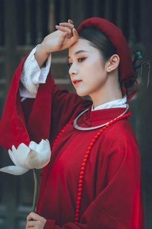 "Hoa khoi Tai sac Viet Nam dep ""hut hon"" voi ao dai co phuc-Hinh-5"