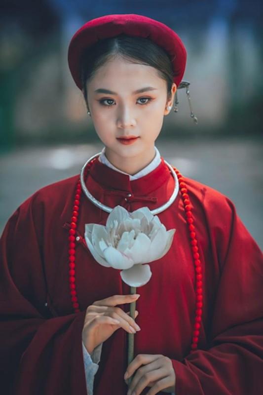 "Hoa khoi Tai sac Viet Nam dep ""hut hon"" voi ao dai co phuc-Hinh-6"