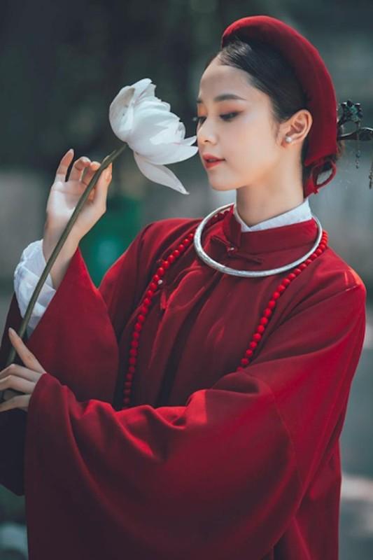 "Hoa khoi Tai sac Viet Nam dep ""hut hon"" voi ao dai co phuc-Hinh-7"
