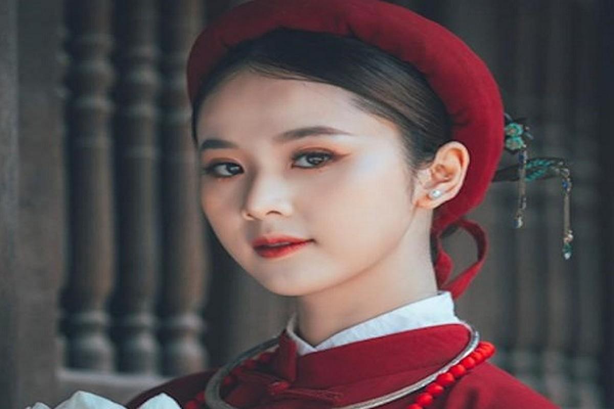 "Hoa khoi Tai sac Viet Nam dep ""hut hon"" voi ao dai co phuc"