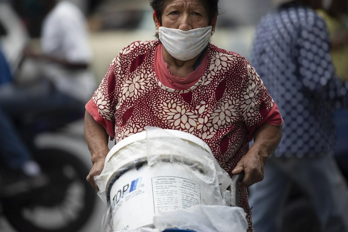 """Con khat nuoc"" tram trong giua khung hoang kinh te tai Venezuela-Hinh-6"