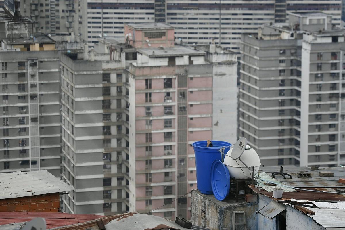 """Con khat nuoc"" tram trong giua khung hoang kinh te tai Venezuela-Hinh-14"