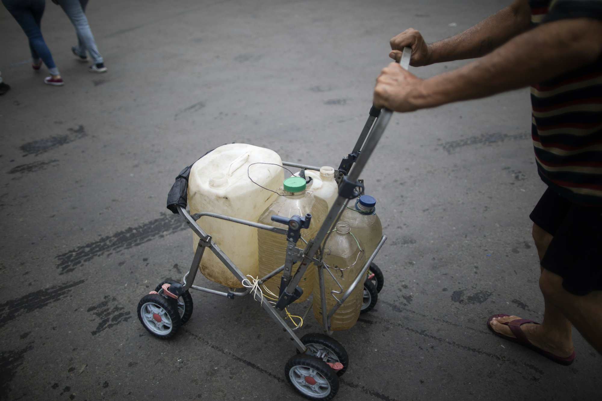 """Con khat nuoc"" tram trong giua khung hoang kinh te tai Venezuela-Hinh-9"