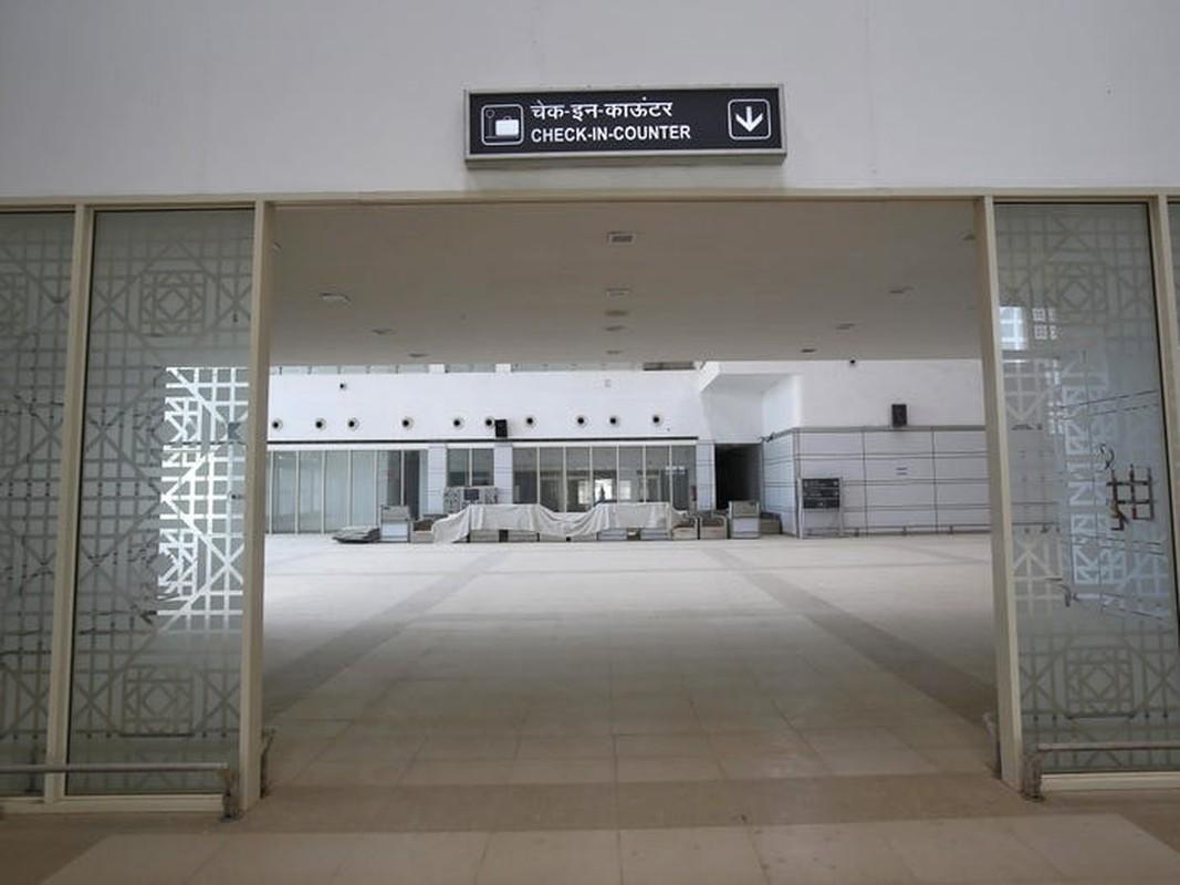 Can canh loat san bay bo hoang tren the gioi-Hinh-4