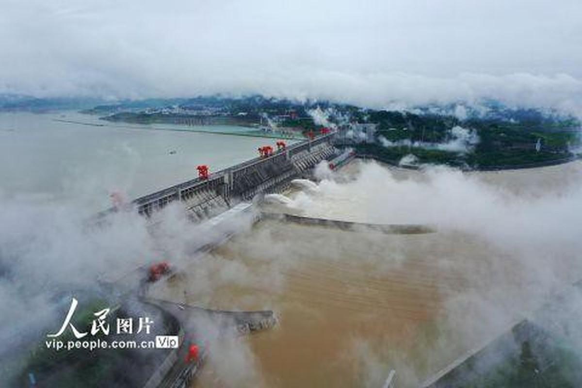 Hong thuy so 1 o Truong Giang: Soi Trung Quoc doi pho lu lut-Hinh-7
