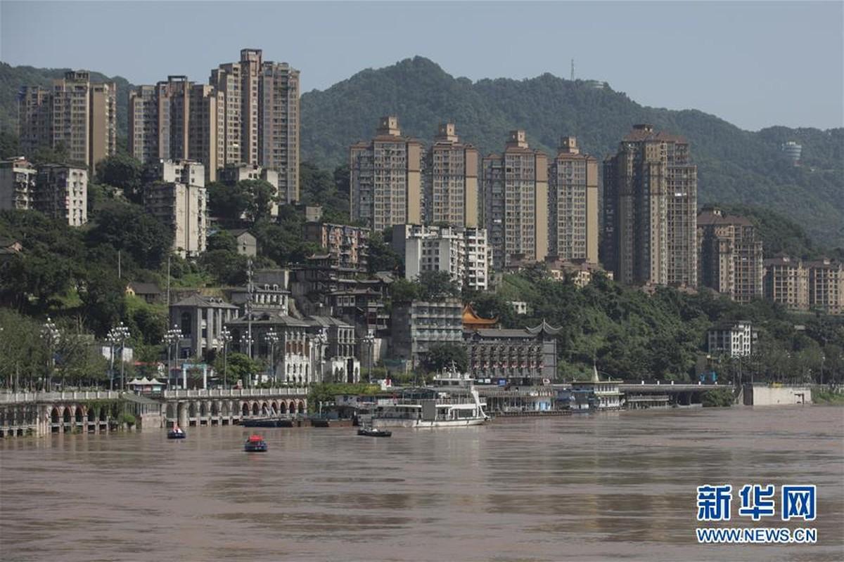 Hang chuc may moc xay de tam ngan lu o Trung Quoc-Hinh-7
