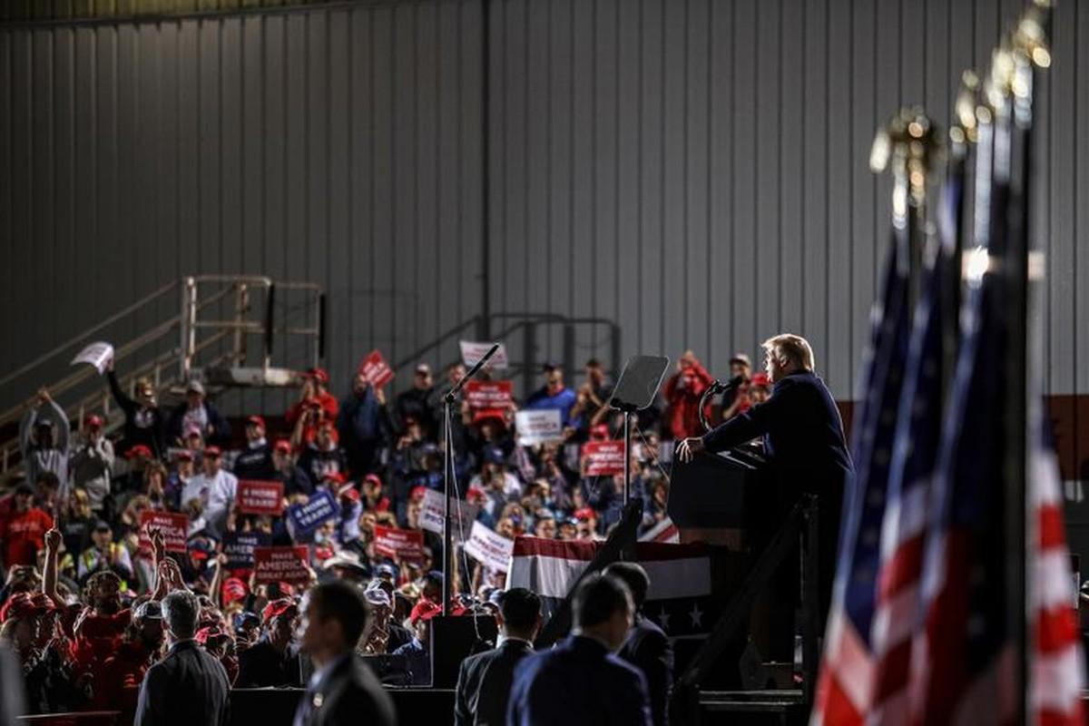 Toan canh Tong thong Trump van dong tranh cu tai bang chien dia Ohio-Hinh-2