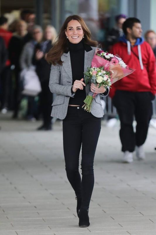 """""""Ve dep khong tuoi"""" cua Cong nuong Kate Middleton hut moi anh nhin-Hinh-9"""