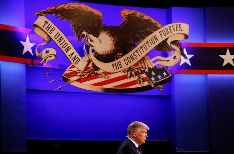 Hinh anh dau tien trong cuoc tranh luan giua ong Trump - Biden-Hinh-12