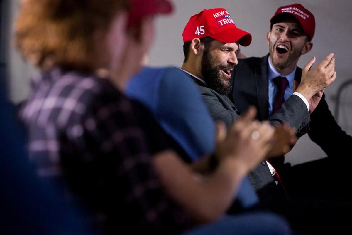 Hinh anh dau tien trong cuoc tranh luan giua ong Trump - Biden-Hinh-13