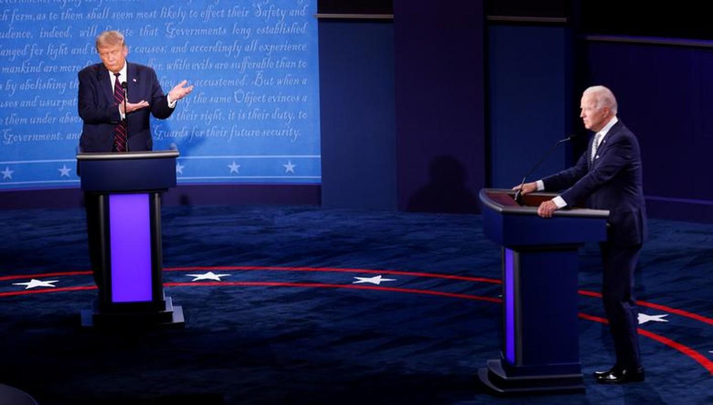 Hinh anh dau tien trong cuoc tranh luan giua ong Trump - Biden-Hinh-7