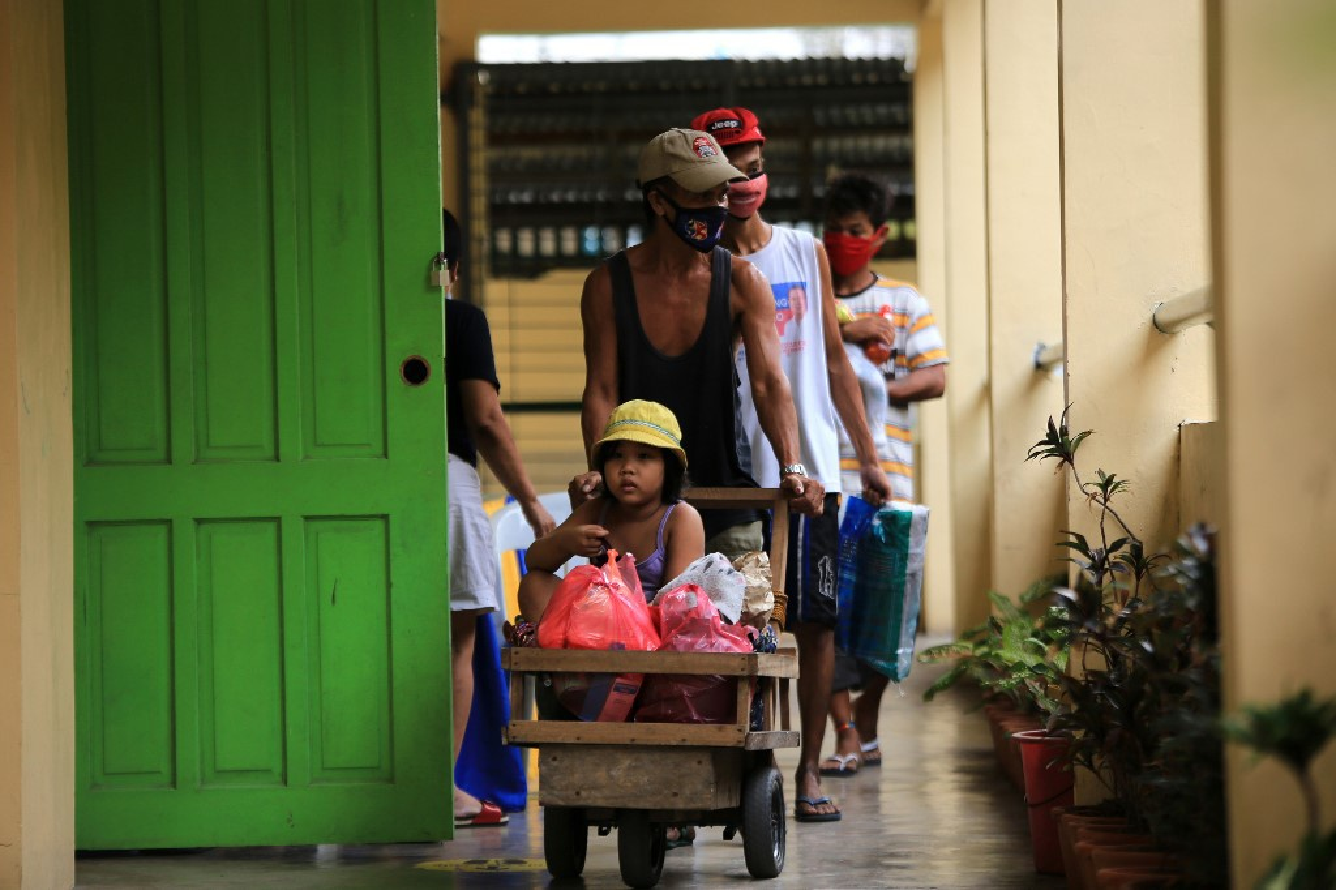 Toan canh Philippines so tan gan 1 trieu dan truoc sieu bao Goni-Hinh-10