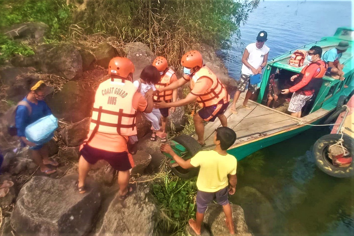 Toan canh Philippines so tan gan 1 trieu dan truoc sieu bao Goni-Hinh-4