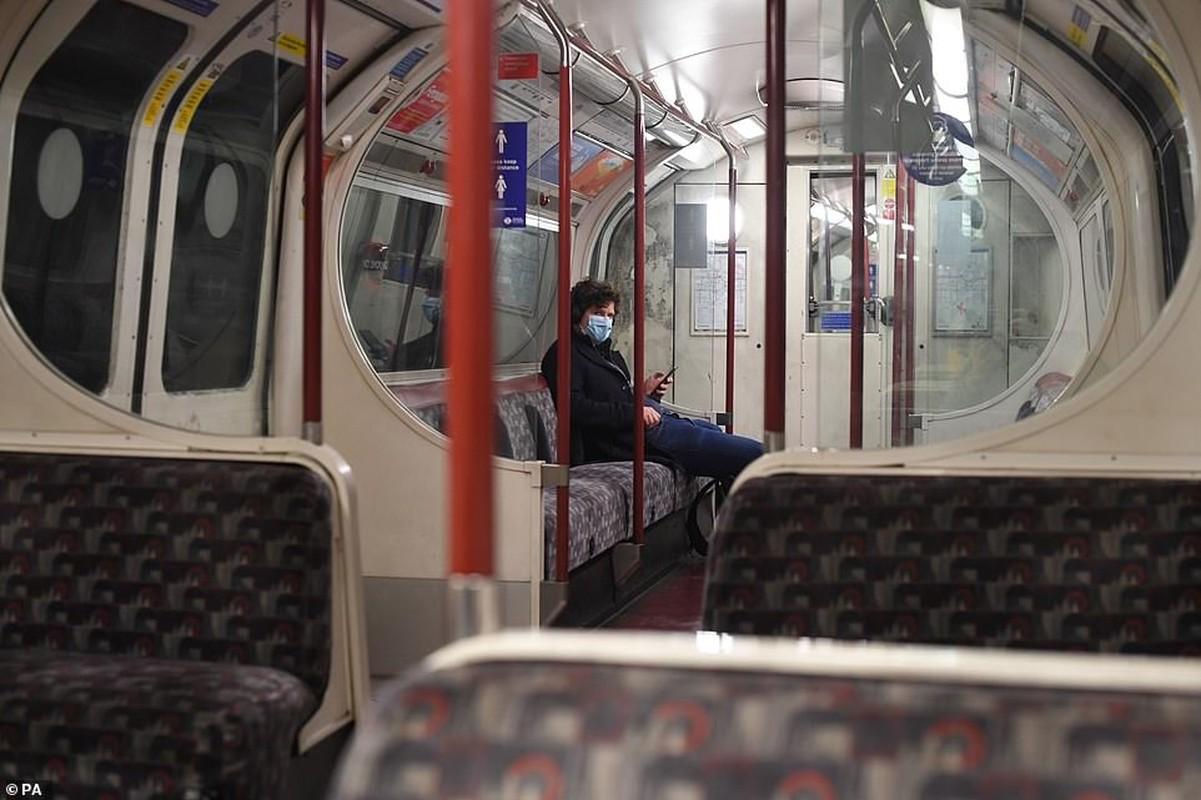 Anh: Thu do London vang lang vi bien the moi cua SARS-CoV-2-Hinh-3