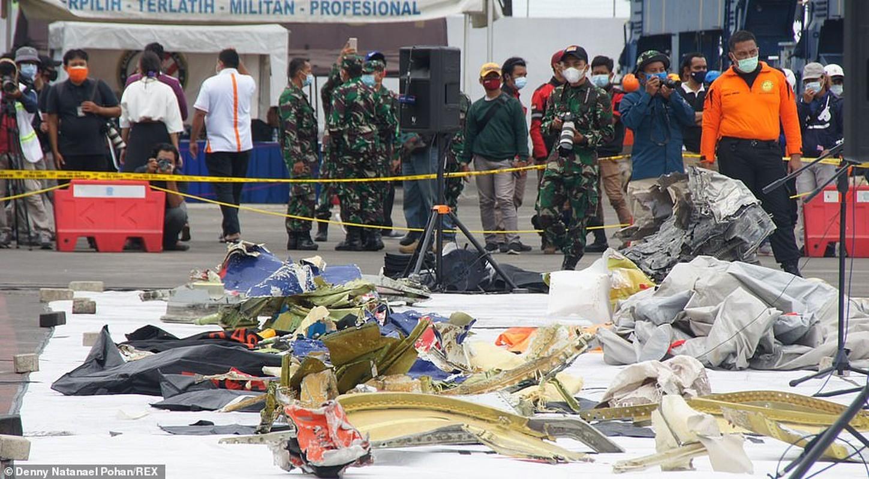 Tham hoa roi may bay tai Indonesia: Danh tinh nhung nan nhan dau tien-Hinh-2