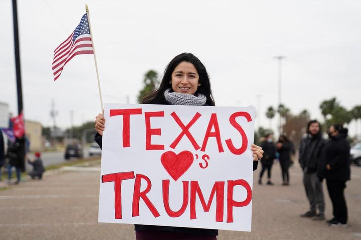 Anh: Tong thong Trump dich than tham buc tuong bien gioi My-Mexico-Hinh-8