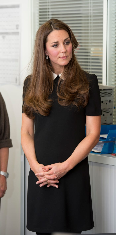 Cong nuong Kate Middleton mac gian di van dep hut hon-Hinh-2