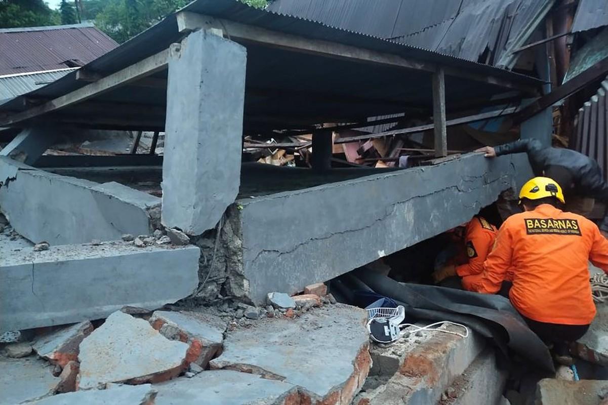 Tan hoang hien truong dong dat o Indonesia, hang tram nguoi thuong vong-Hinh-3