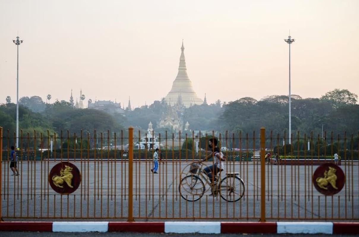 Ben trong dat nuoc Myanmar sau vu bat giu ba Aung San Suu Kyi-Hinh-10