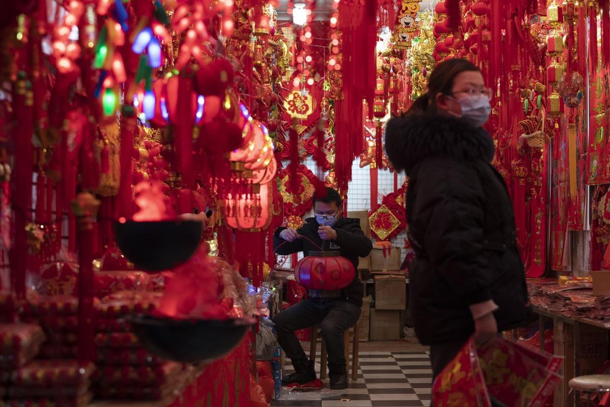 Canh diu hiu tai noi ban do trang tri Tet o Trung Quoc-Hinh-4