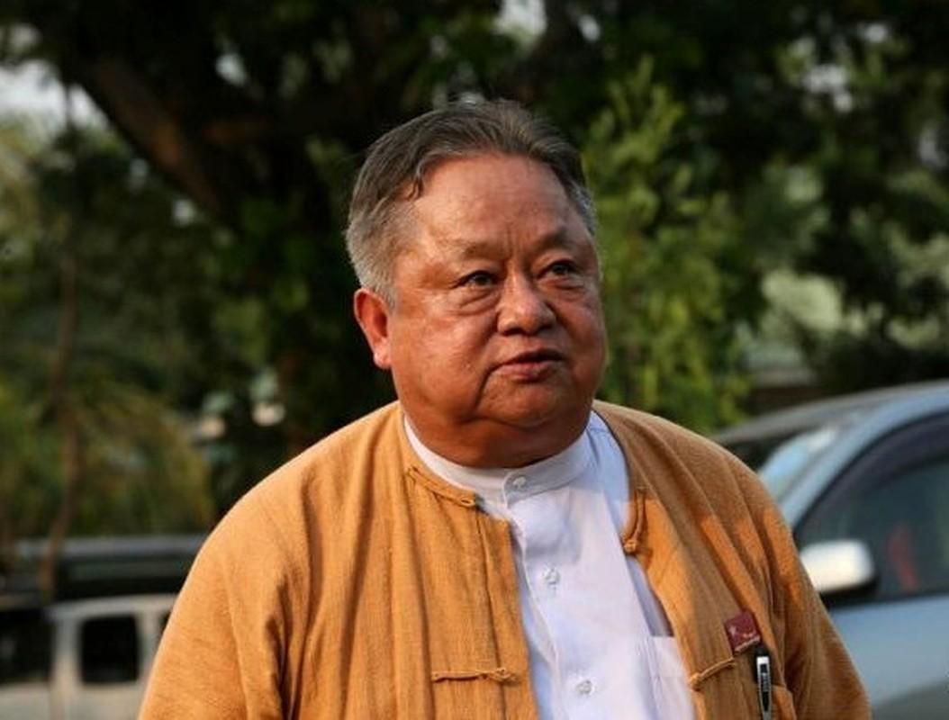 """Chan dung """"canh tay phai"""" cua ba Aung San Suu Kyi vua bi bat-Hinh-2"""