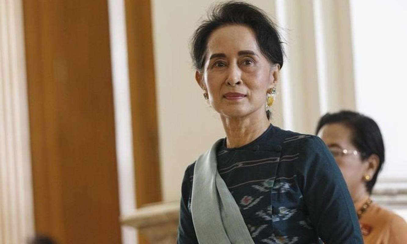"""Chan dung """"canh tay phai"""" cua ba Aung San Suu Kyi vua bi bat-Hinh-3"""