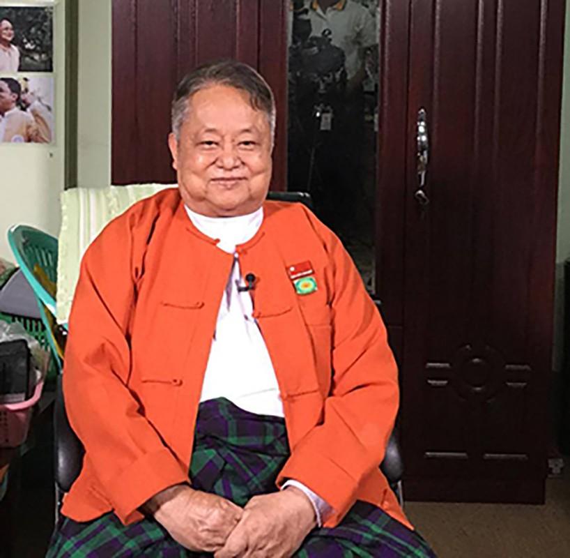 """Chan dung """"canh tay phai"""" cua ba Aung San Suu Kyi vua bi bat-Hinh-9"""