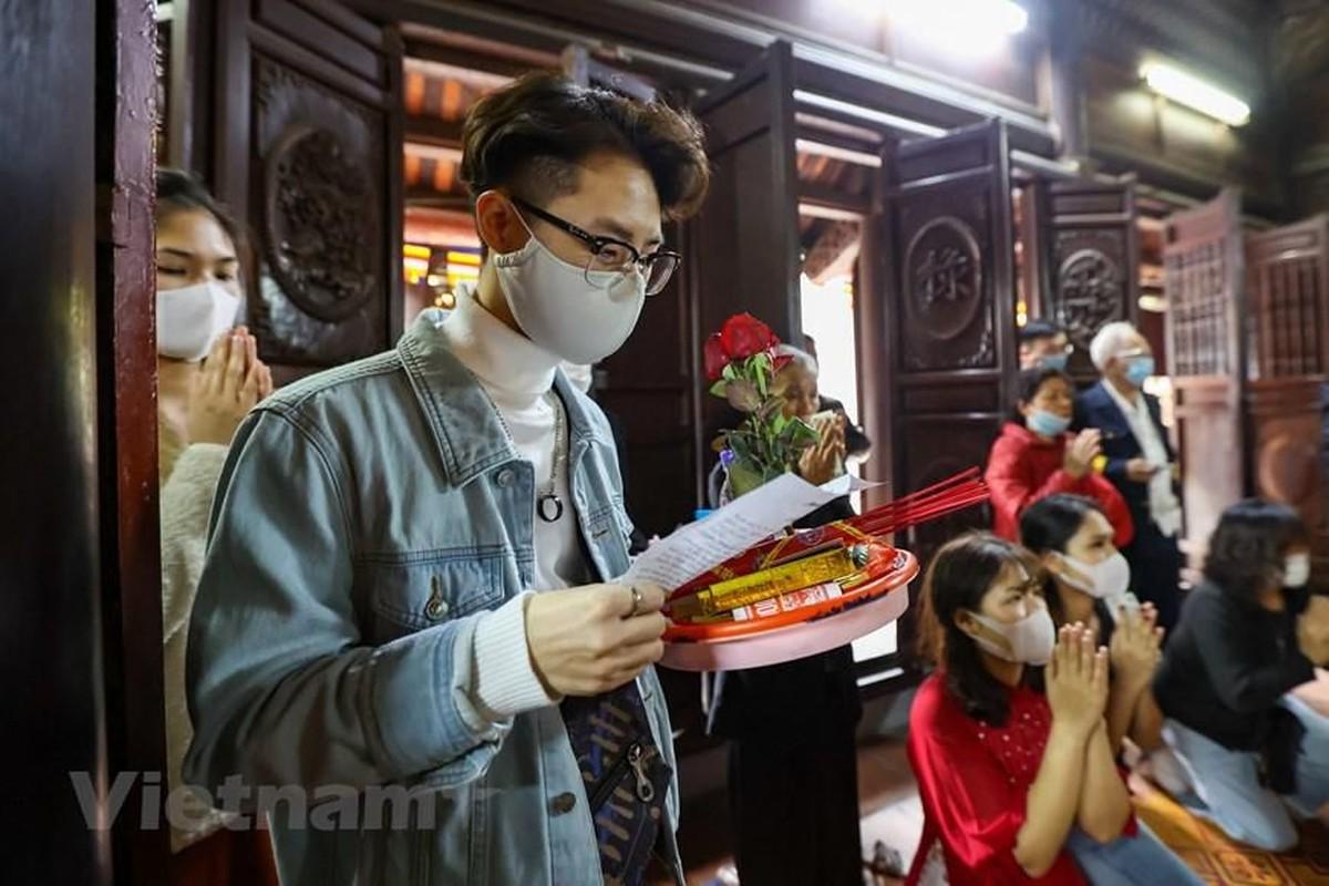 """Gioi tre do xo den chua Ha """"cau duyen"""" truoc le Valentine-Hinh-12"""