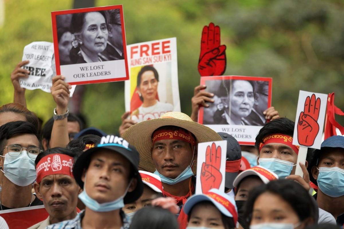 Chinh bien o Myanmar: Bao nhieu tuong quan doi da bi My trung phat?-Hinh-8