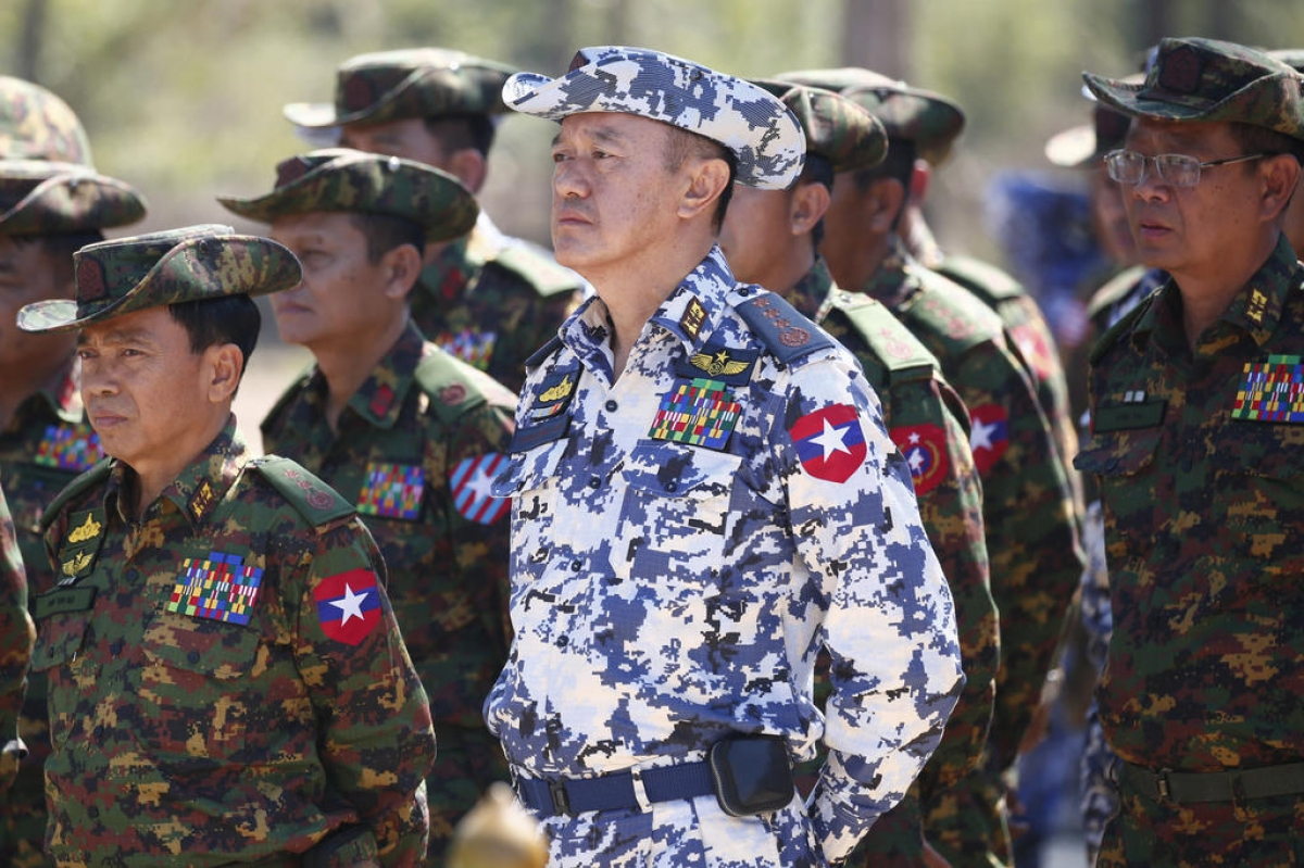 Chinh bien o Myanmar: Bao nhieu tuong quan doi da bi My trung phat?-Hinh-9