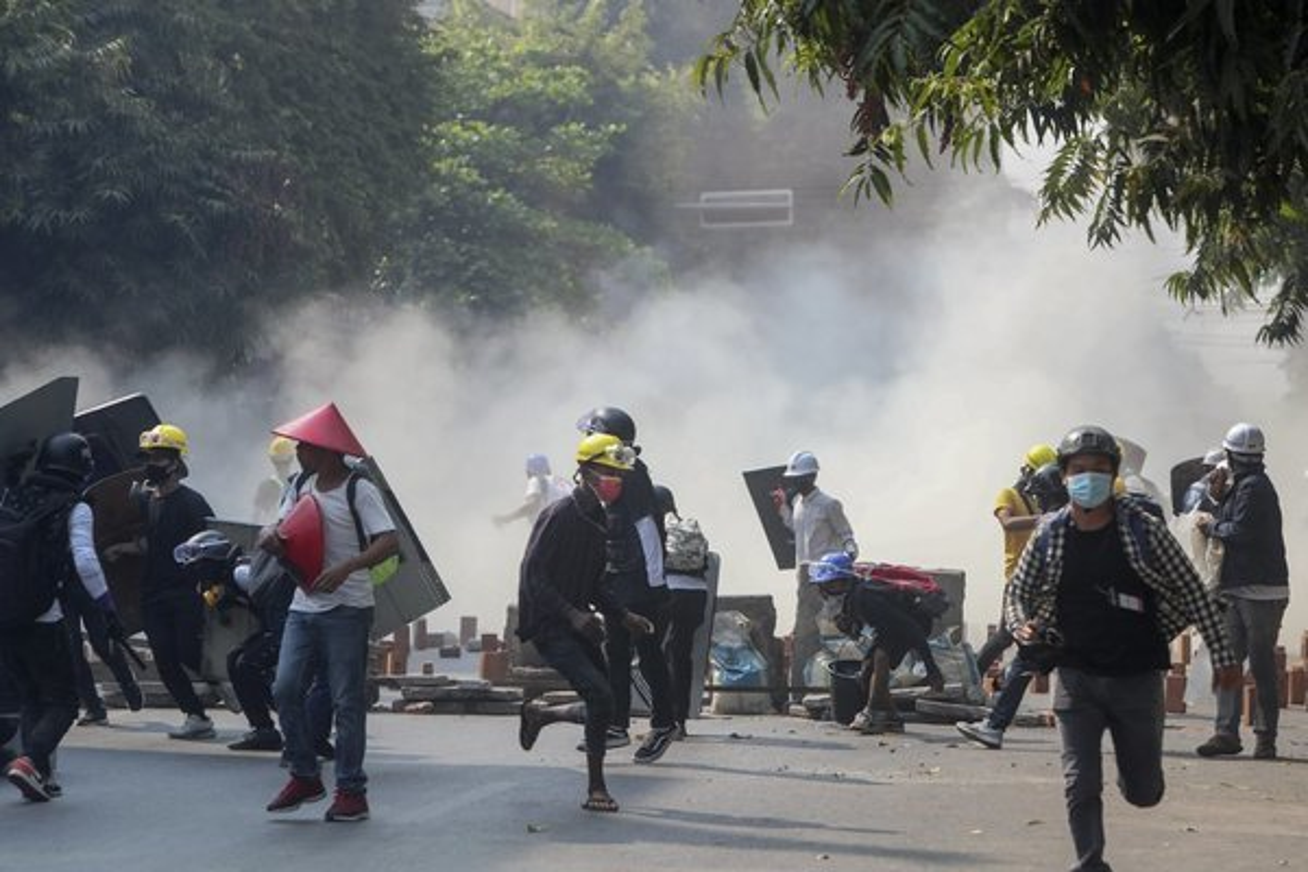 "Giai phap ""ha nhiet"" bieu tinh leo thang o Myanmar?-Hinh-3"
