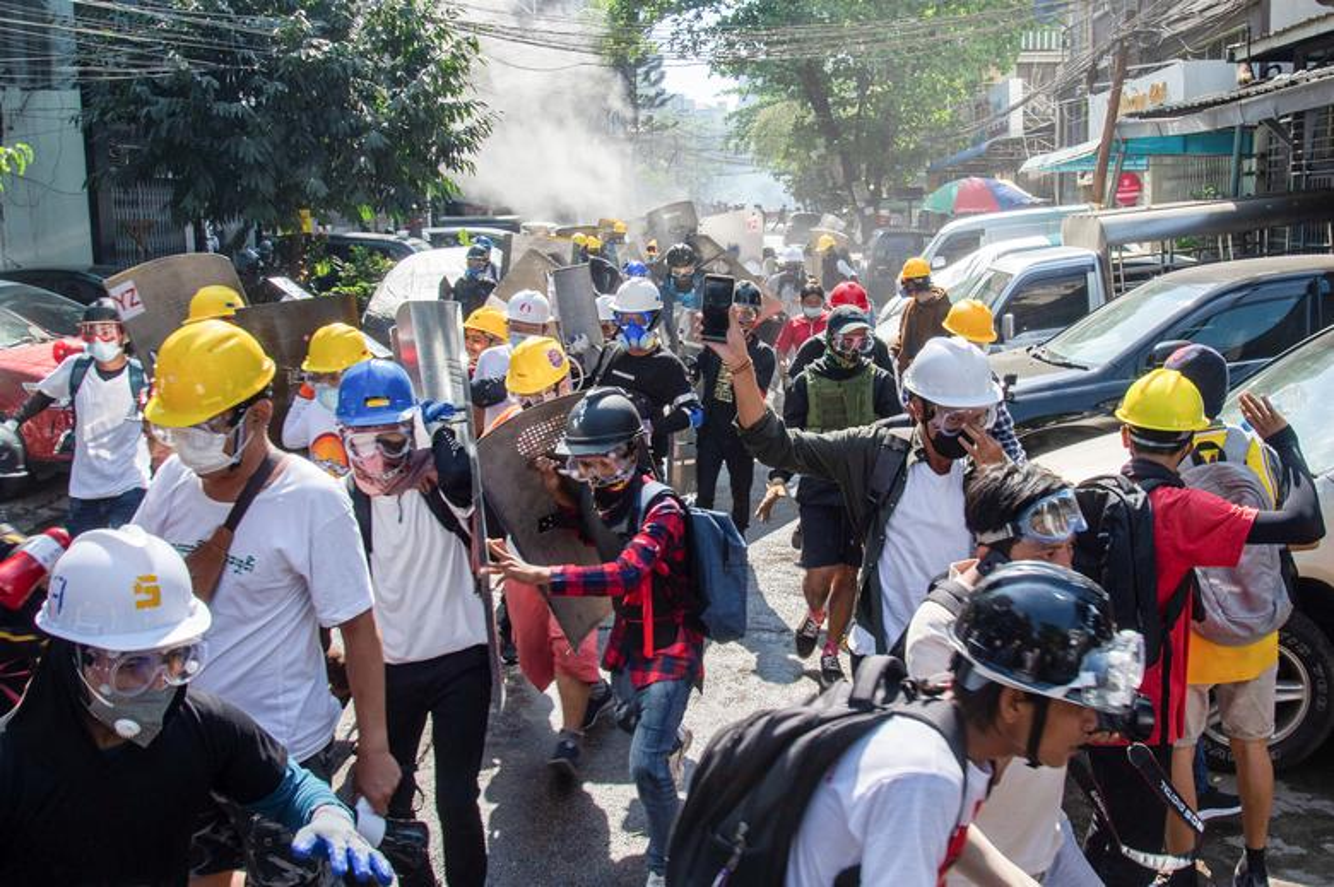 Bieu tinh o Myanmar: Them nhieu nguoi thiet mang-Hinh-9