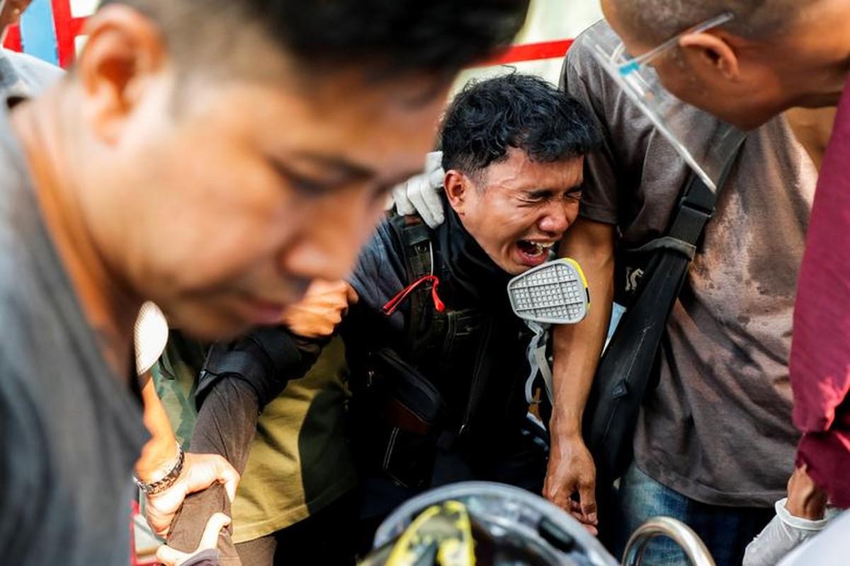 Bieu tinh o Myanmar: Them it nhat 9 nguoi thiet mang-Hinh-9