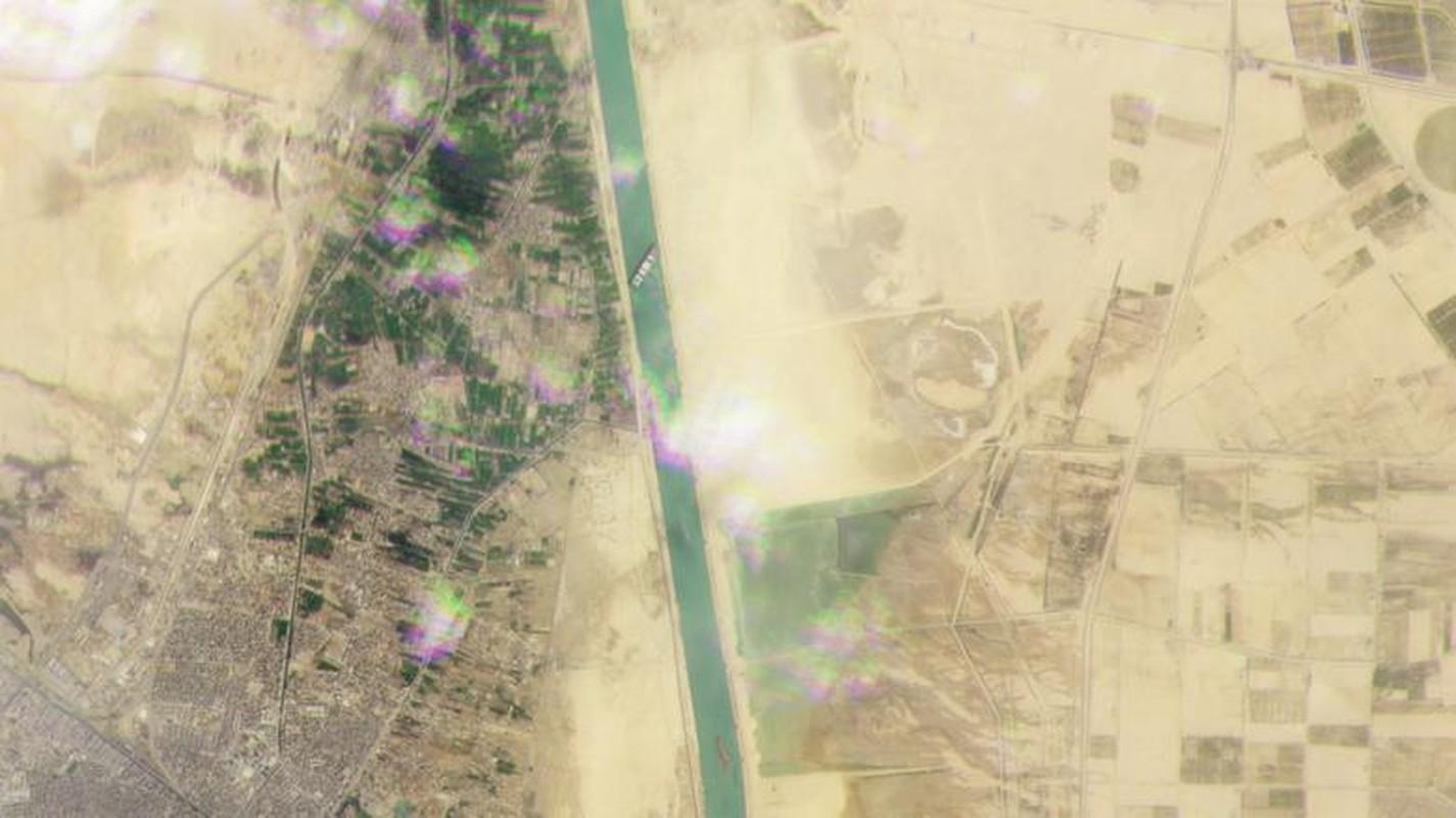 Can canh tau cho hang khong lo chan ngang kenh dao Suez-Hinh-11