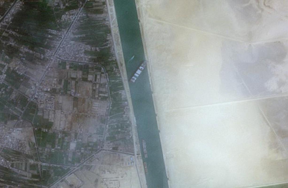 Can canh tau cho hang khong lo chan ngang kenh dao Suez-Hinh-2