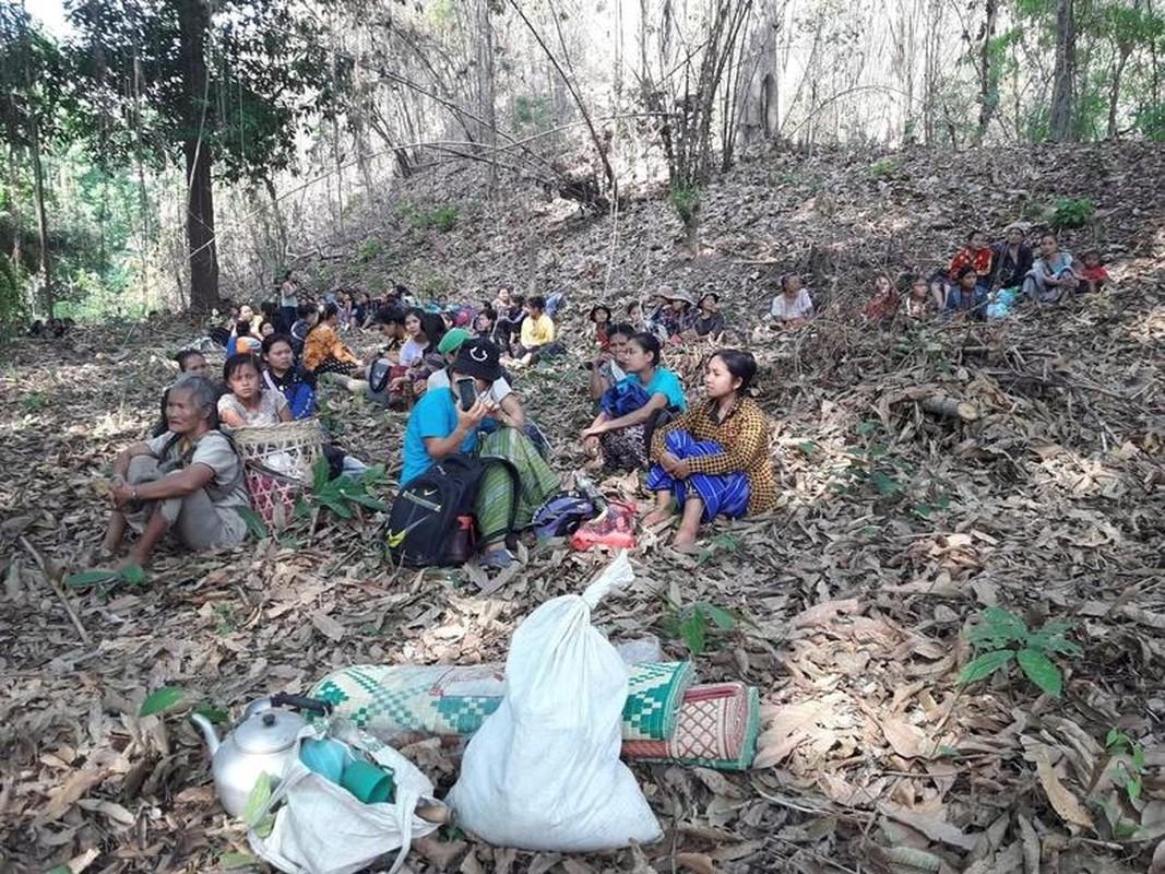 Anh moi nhat nguoi bieu tinh dung do voi luc luong an ninh Myanmar-Hinh-11
