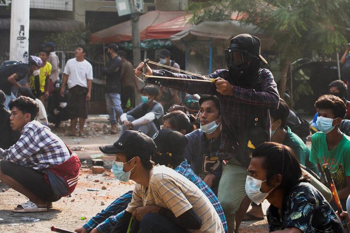 Bien co chinh tri o Myanmar: Loat dong thai trung phat cung ran cua My-Hinh-8