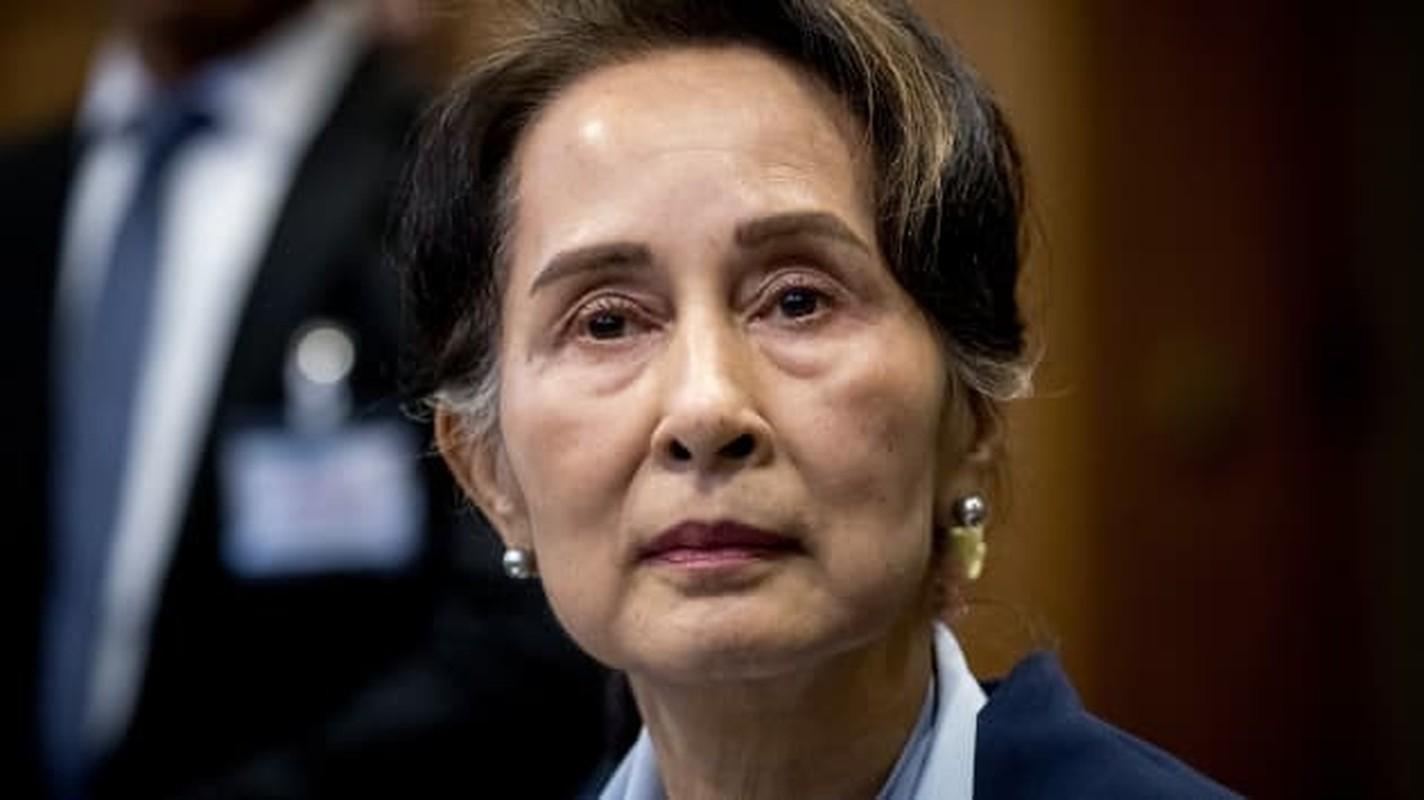 Hai thang hau bien co chinh tri, ba San Suu Kyi gio ra sao?-Hinh-2
